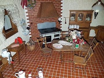 Alte Puppenküche Puppenstube komplett mit Beleuchtung Puppen möbel Inventar
