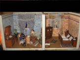 100 Jahre o älter, leere Puppenstube  Puppenhaus  Puppenküche-kaufladen