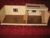50er Jahre -Puppenstube mit Beleuchtung+Terasse m Treppenaufgang Puppenhaus