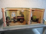 Alte Puppenstube, originale Tapete, schöne kleine Größe und helle Farben