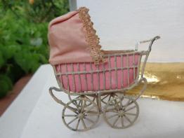 Antiker Puppenwagen um 1900 für Puppenstube doll pram carriage