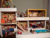 Bodo Hennig Bungalow Puppenhaus Puppenstube 70er zerlegbar beidseitig zuspielen