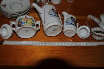 Puppenstube Porzellan Zubehör weiss mit Kindermotiv; Markiert: Bavaria