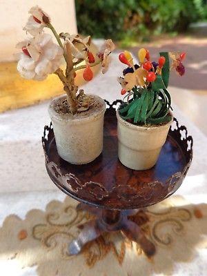 Rock & Graner c1880 alter Puppenstuben Tisch mit Blumen & Teppich Blechspielzeug