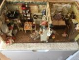 uralte Puppenstube& Puppenküche mit Jugendstilmöbeln
