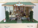 Wunderschöne Puppenstube, Kolonialwarenhandel, sehr viel Zubehör,  Handarbeit